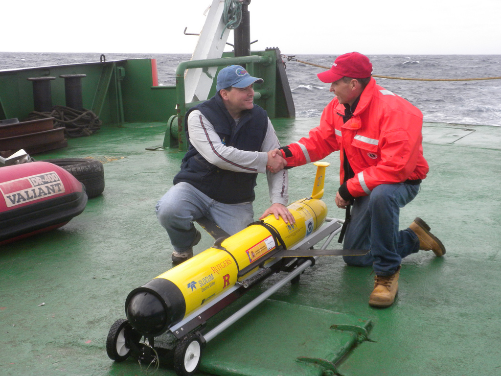 Rutgers oceanographers and robotic glider<div class='credit'><strong>Credit:</strong> Rutgers oceanographers and robotic glider</div>
