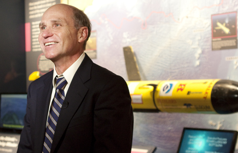 Professor Scott Glenn at Smithsonian with Historic Underwater Glider<div class='credit'><strong>Credit:</strong> Professor Scott Glenn at Smithsonian with Historic Underwater Glider</div>