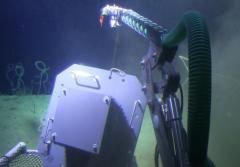 DROP researchers successfully deploy a deep-sea ARMS at 396 feet using their submersible.