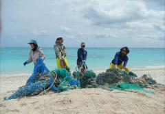 Cleaning up abandoned fishing nets